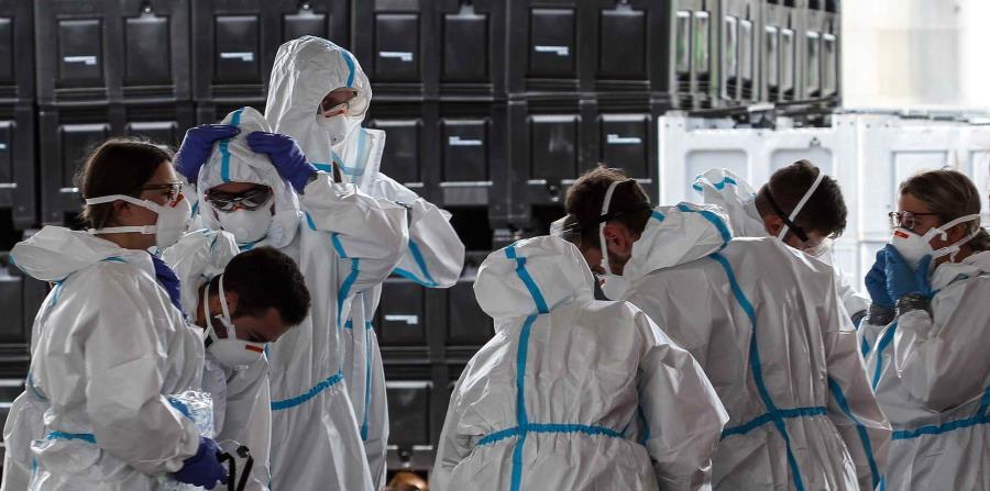 Más de 1,000 trabajadores en una procesadora de carne en Alemania se contagian de COVID-19
