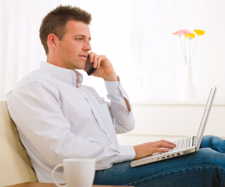 Trabajar desde casa podria estar afectando la espalda y el cuello de muchas personas