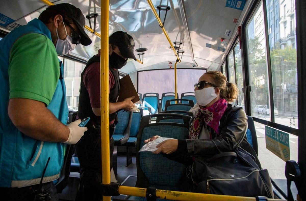Coronavirus: la Argentina figura entre los paises que mas restringen la economia y la movilidad