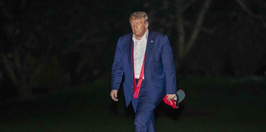 Trump causa inquietud al sugerir hacer menos pruebas de COVID-19