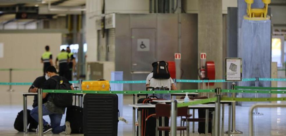 El Gobierno y la Comunidad de Madrid miran a Barajas