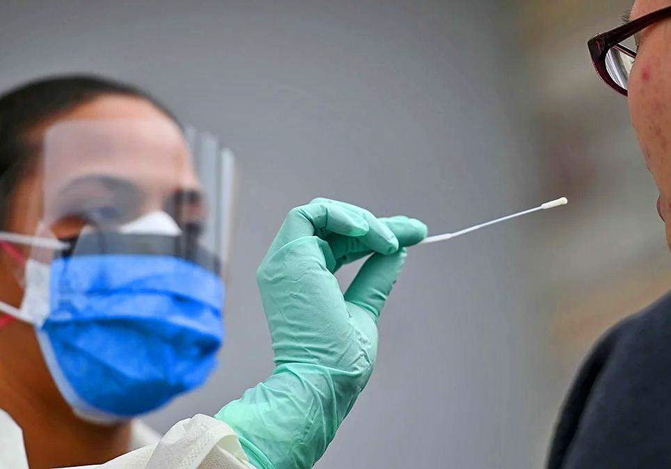 La produccion del test serologico argentino para coronavirus llego a las 100.000 determinaciones
