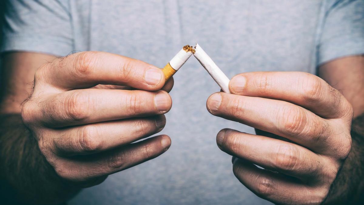 Un nuevo estudio encuentra evidencias de que la soledad hace que sea mas dificil dejar de fumar