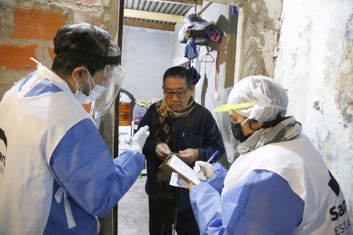 """""""Los vacunatorios estan abiertos"""": refuerzan el llamado ante la caida en las coberturas por la pandemia"""