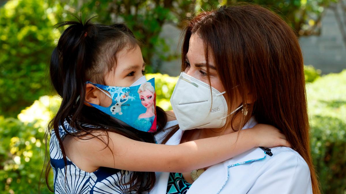 Medicos refugiados apoyan a Mexico contra la pandemia