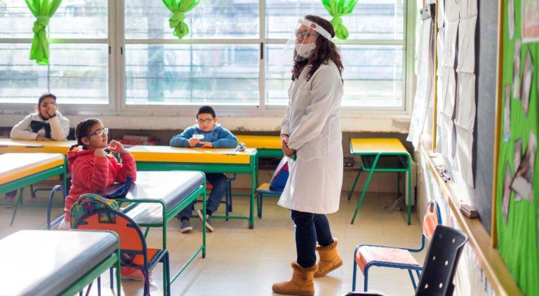 """Desde Educacion proponen las """"aulas burbuja"""" para la volver a las escuelas"""