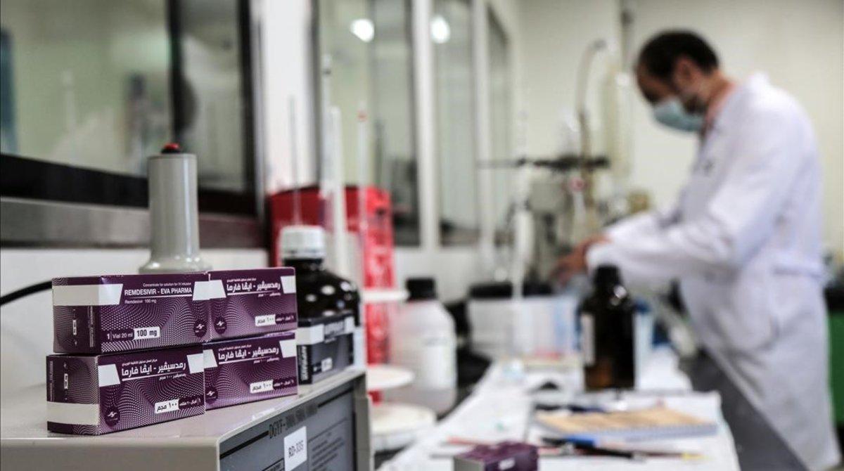 Gilead cobrara un minimo de 2.000 euros por cada tratamiento de remdesivir