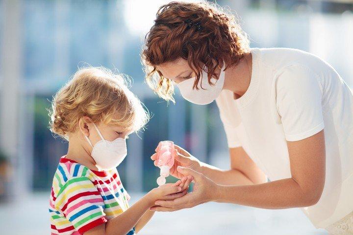 Coronavirus: con mayoria de cuadros leves, niños y adolescentes suman el 15% de los infectados