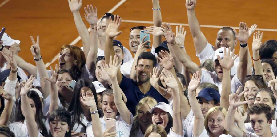 Casos de coronavirus en torneo de Novak Djokovic causan revuelo en el tenis