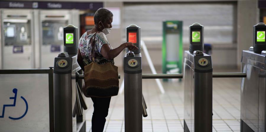 Poco el flujo de pasajeros en el reinicio del Tren Urbano y la AMA
