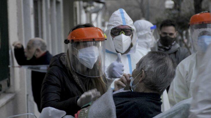 Confirman 17 nuevas muertes de pacientes con coronavirus y el total de victimas del pais asciende a 2956