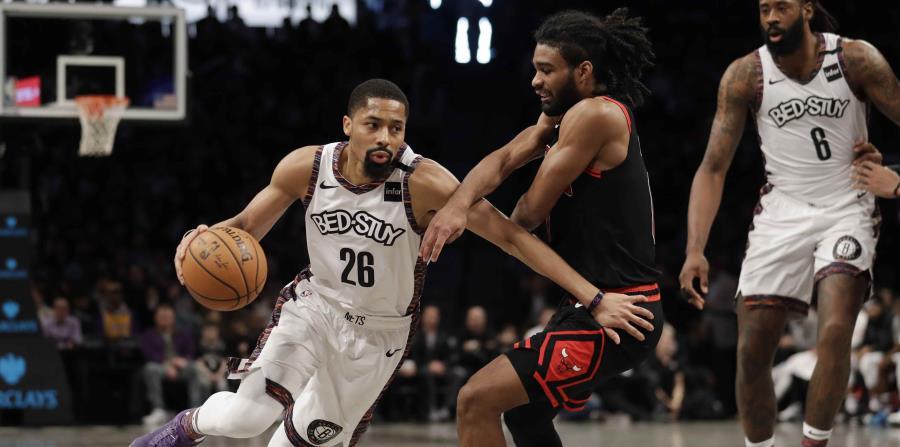 Los Nets de Brooklyn casi no tienen equipo para jugar en Orlando