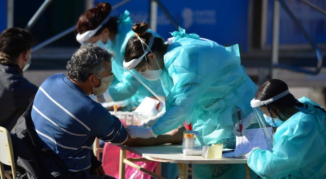 Coronavirus: confirmaron 16 nuevas muertes y suman 1.453 las victimas en la Argentina