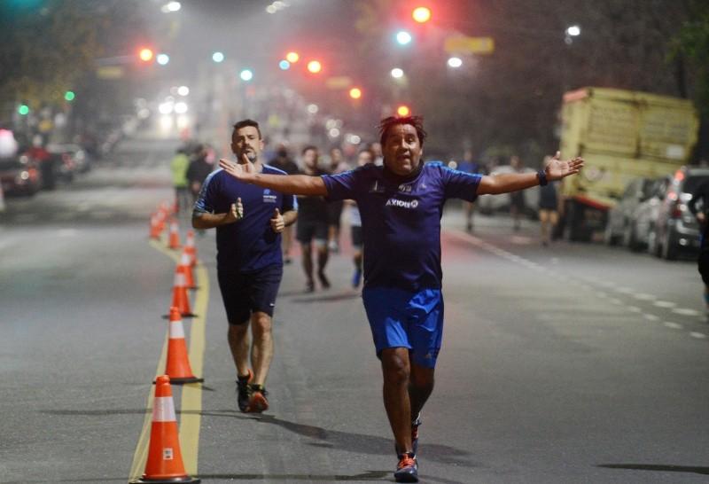 Con horario extendido y mayores controles, volvieron los runners a los parques porteños