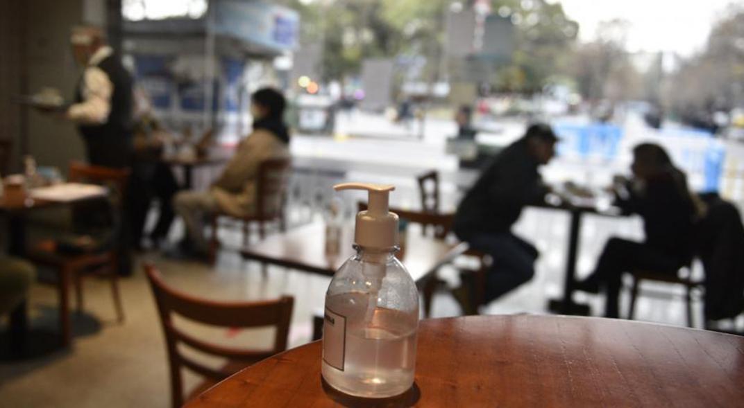 Coronavirus: cuales son las provincias que permiten el festejo del Dia del Amigo con limite de invitados