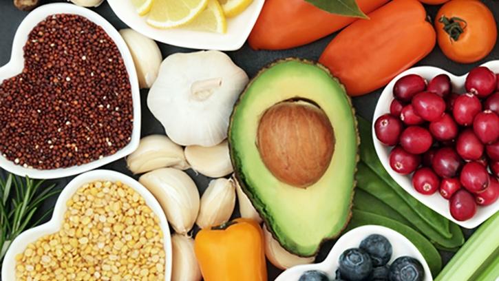 ¿Como debe ser la alimentacion para prevenir enfermedades cardiovasculares?