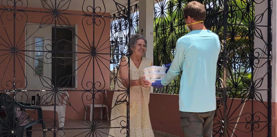 Amo a mi Abu suple las necesidades alimentarias de adultos mayores que viven en Las Marías