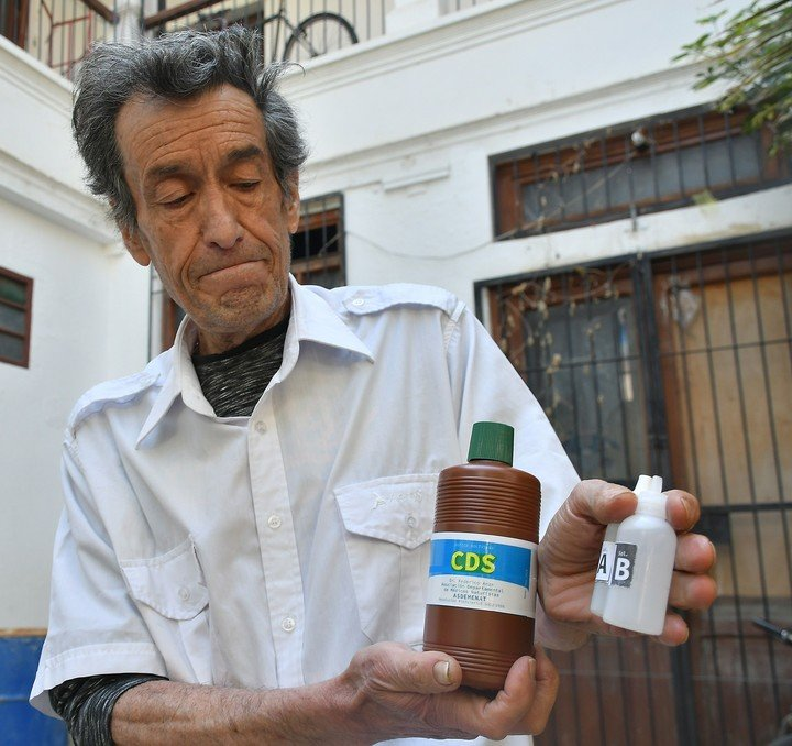 Coronavirus: advierten por los riesgos de consumir dioxido de cloro