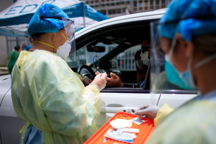 CDC emite nuevas guias que acortan el tiempo de aislamiento de pacientes sin o con leves sintomas