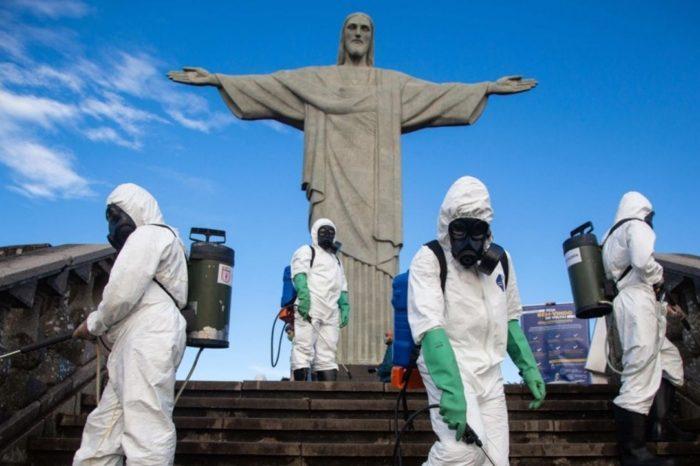 Restricciones y vacunas, las dos apuestas del mundo para frenar la pandemia