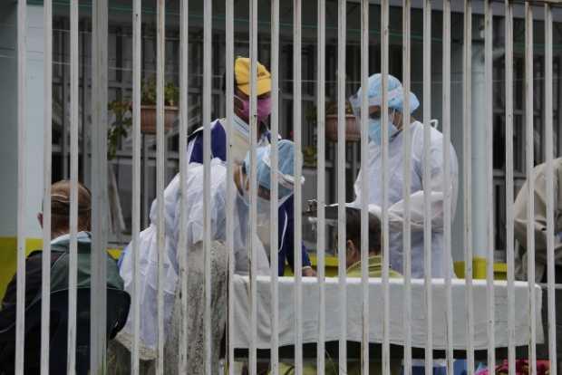 16 adultos mayores de la Fundacion Guadalupe y el Hogar San Francisco siguen hospitalizados