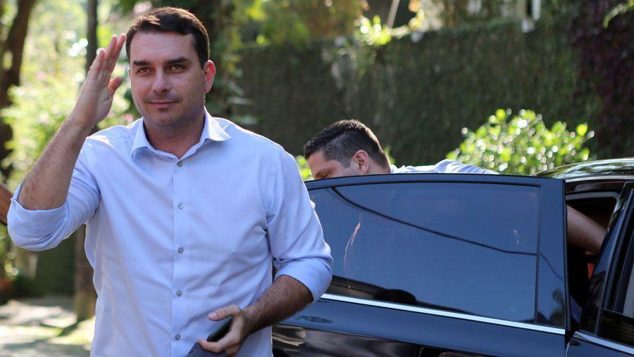 El hijo mayor de Bolsonaro tiene coronavirus
