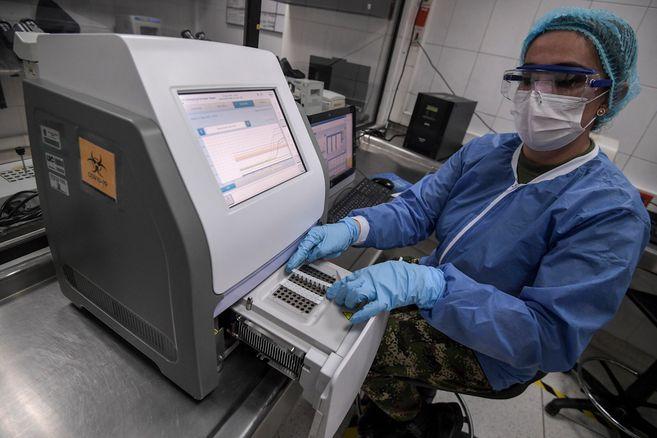 ¿Donde estan las cientificas en la pandemia? La covid-19 las borra del mapa