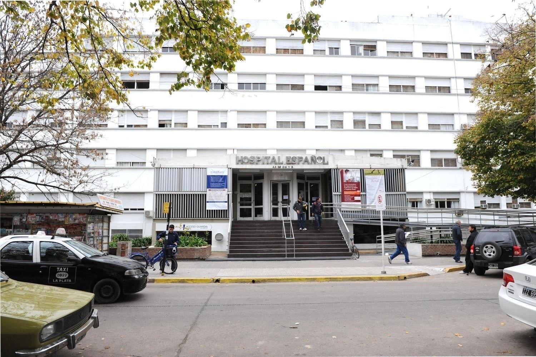 """""""Solo se atienden urgencias con riesgo de vida"""", el dramatico cartel pegado en un hospital"""