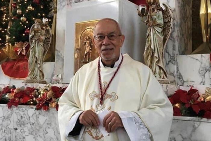 Sacerdote de Vega Alta muere por COVID-19 tras contagiarse en un asilo