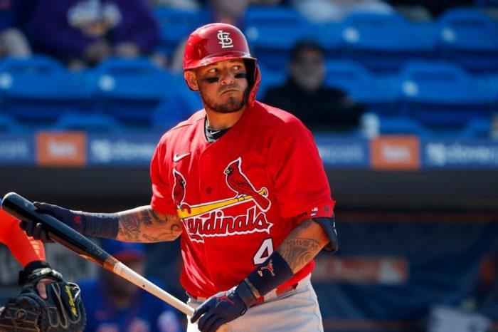 Yadier Molina recibe permiso de MLB para unirse a los Cardinals