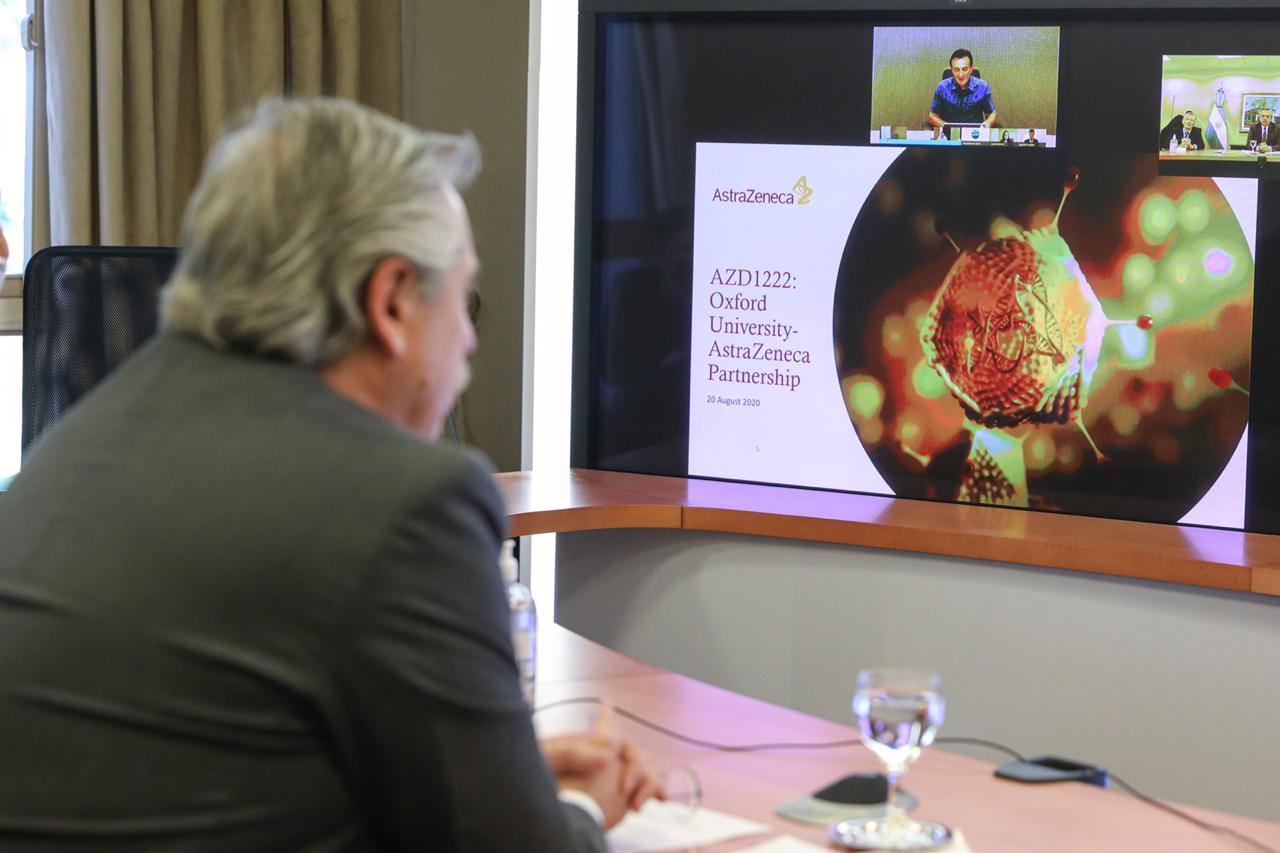 El presidente durante la conferencia con Pascual Soriot.
