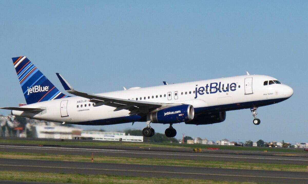 JetBlue extiende hasta octubre el bloqueo de los asientos del medio