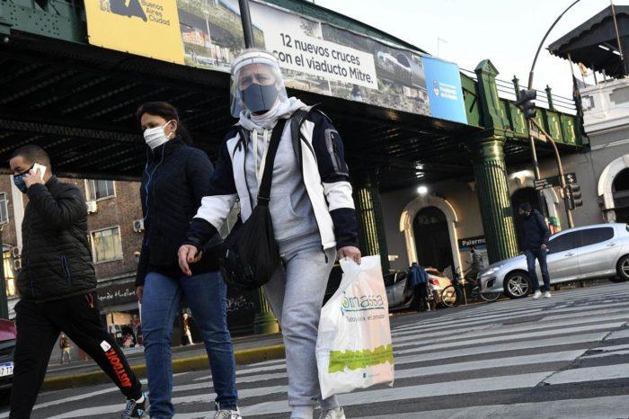 Con 20 nuevas muertes, el numero de fallecidos por covid-19 llega a 5.657 en Argentina