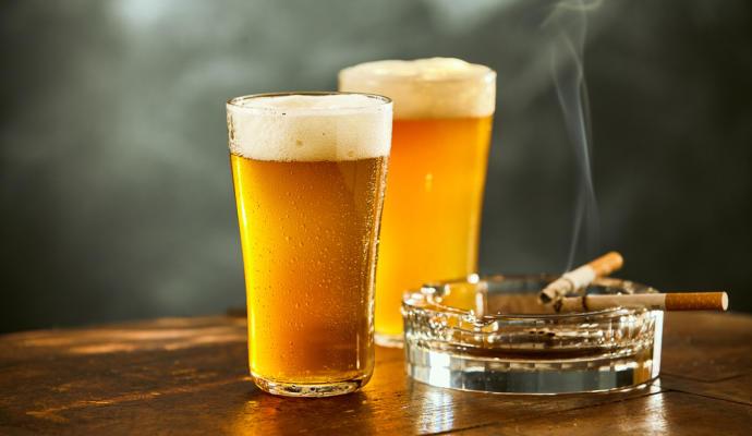 Reducir el consumo de tabaco y alcohol disminuye el numero de fracturas de cadera