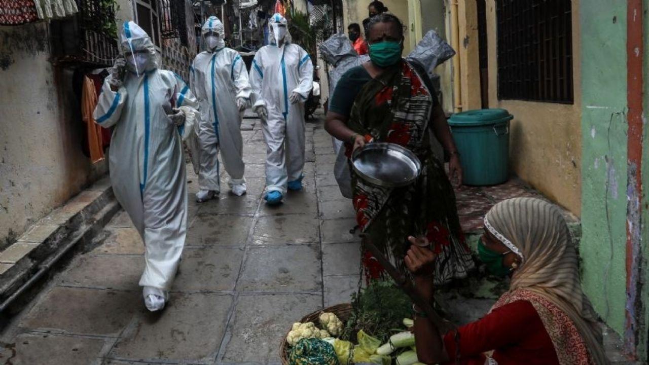 India supera los 2,7 millones de contagios tras sumar otros 55.000 casos mas