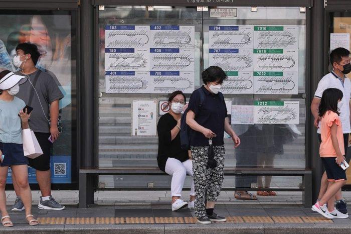 El coronavirus se expande en zonas de Asia y sigue castigando a America