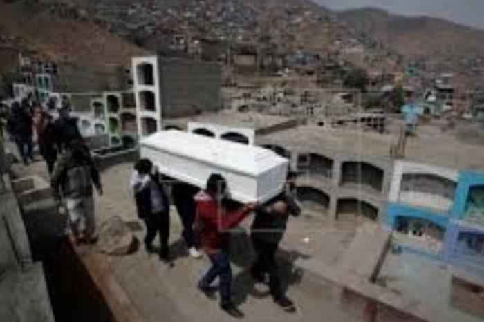 Con 63.000 fallecidos, Peru apunta al record mundial de mortalidad