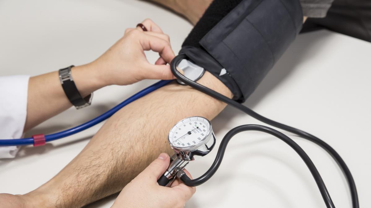 Los hombres ricos son mas propensos a desarrollar hipertension