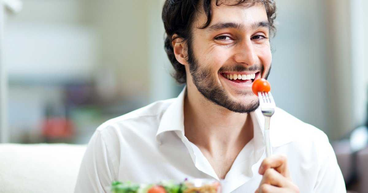 Cinco beneficios de una buena alimentacion en el rendimiento laboral