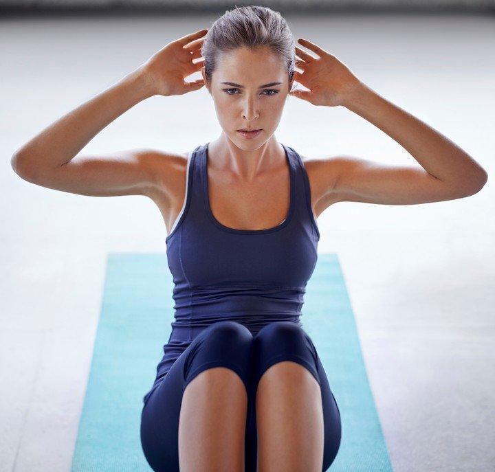Los abdominales son parte de un buen ejercicio.