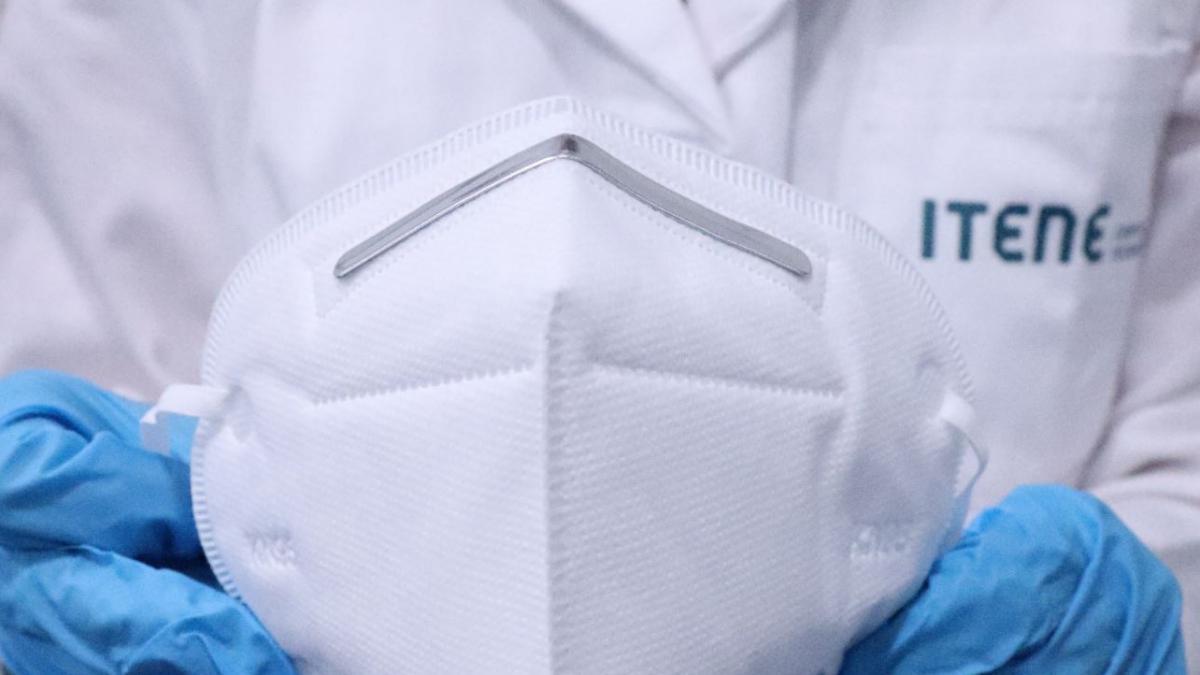 Calentar durante 50 minutos en una olla descontamina las mascarillas N95, segun un estudio