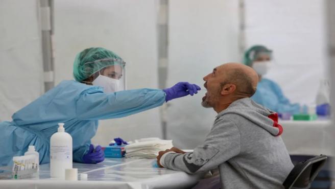 Como se ejecuta la prueba PCR: por la nariz o por la boca y en diez segundos