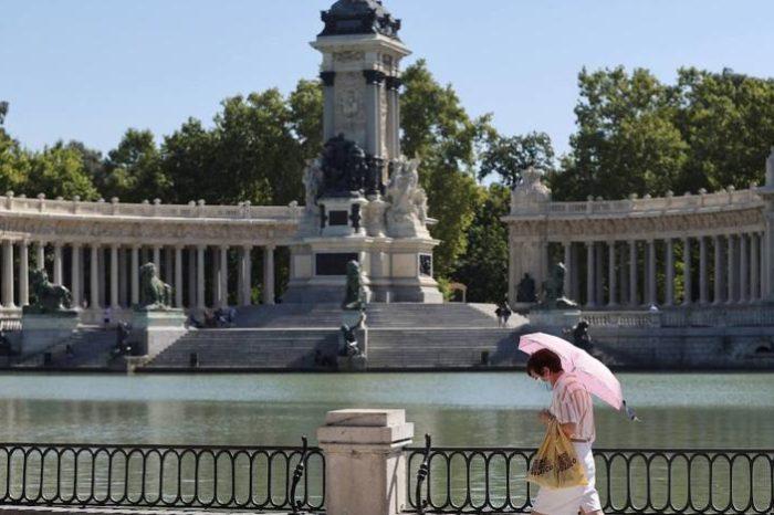 Madrid cierra parques y piscinas para luchar contra la covid-19
