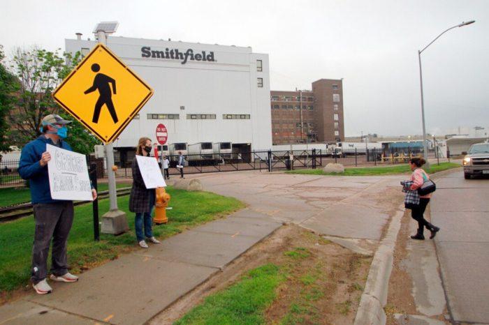 Una planta de carne en Estados Unidos se enfrenta a una multa por mas de mil casos de COVID-19