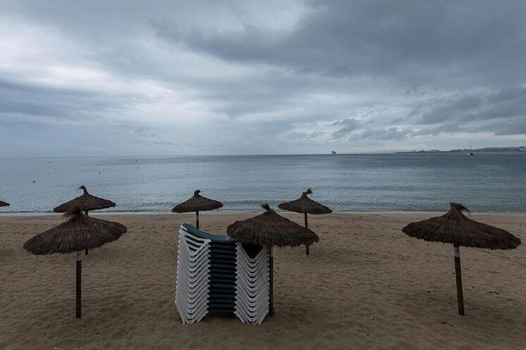 La Playa de Can Pere Antoni de Palma de Mallorca, en alerta por las...