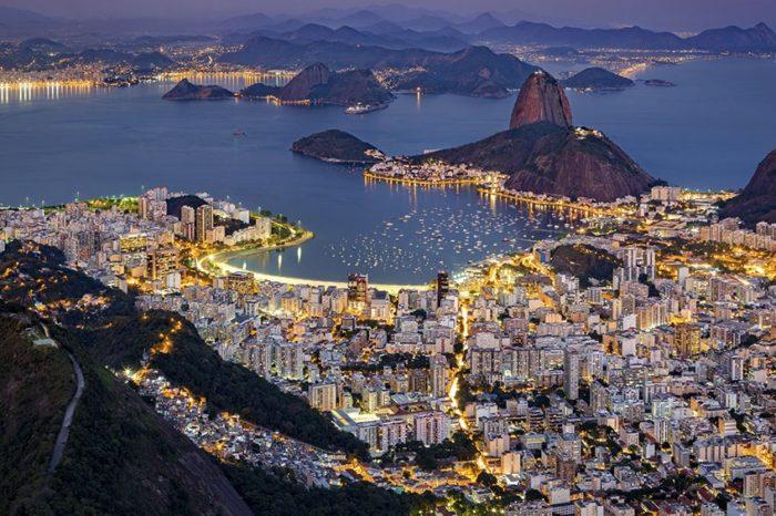 Brasil supero los 4,1 millones de casos de coronavirus pero sigue con las reaperturas