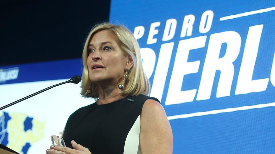 Caridad Pierluisi - La hermana y directora de campaña de Pedro Pierluisi anuncio esta mañana que dio positivo mediante una publicacion en su cuenta de Twitter.