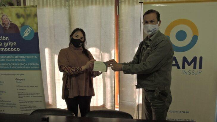 En Colonia Victoria realizaron la donacion de vacunas antigripales del Pami