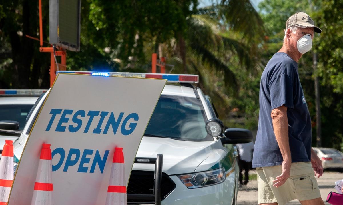 El estado de Florida pasa de 738 a 3,226 casos nuevos de COVID-19 en 24 horas