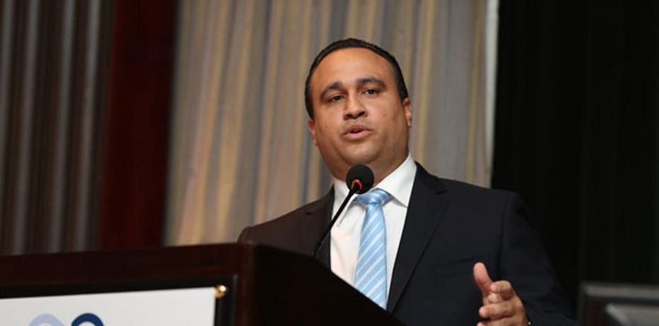 Omar Negron - El exasesor en Asuntos Municipales de La Fortaleza, quien se encuentra hospitalizado por COVID-19, fue trasladado el domingo a una unidad de cuidado intensivo.